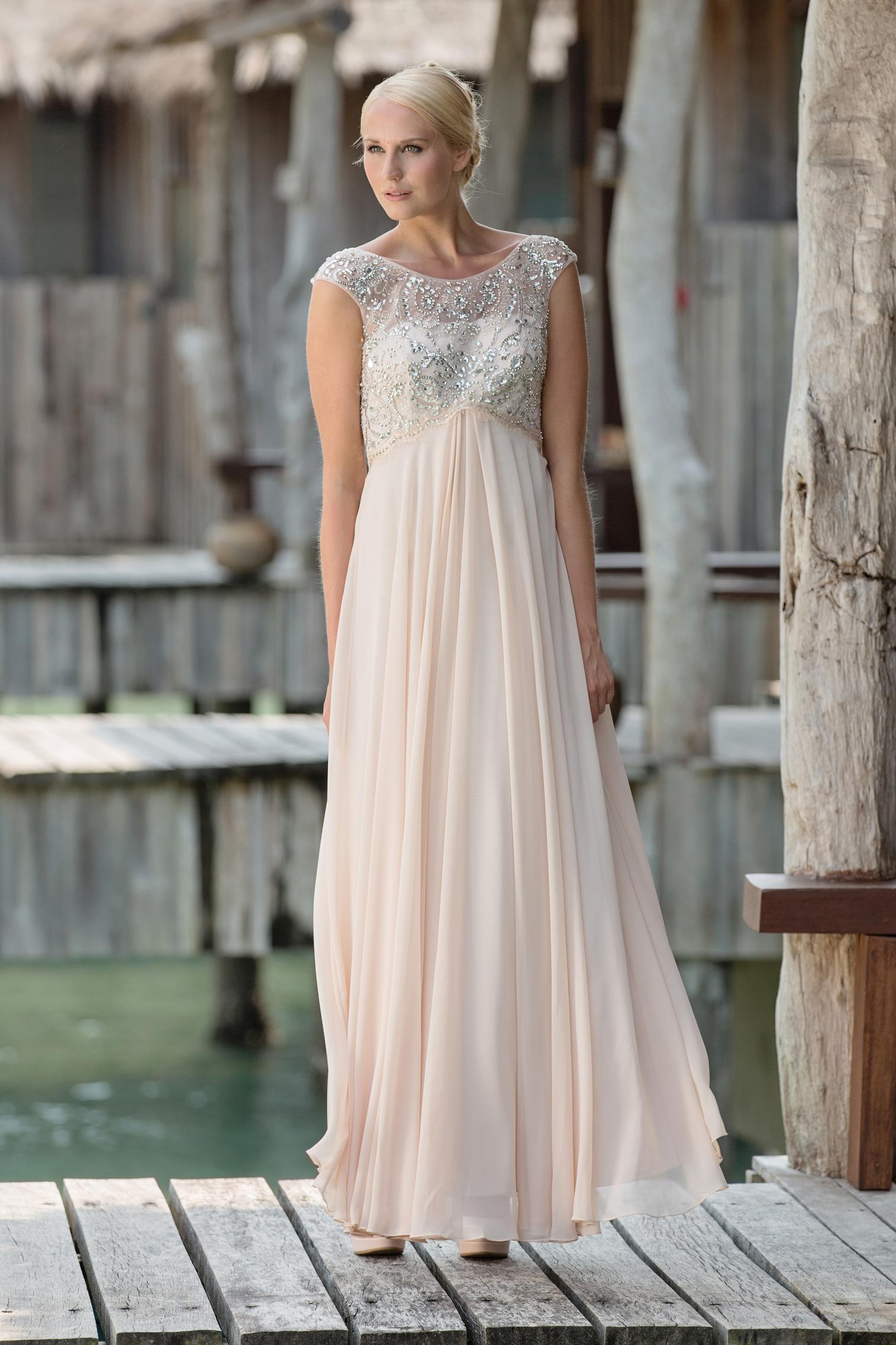 Schön Sprachlos Prom Kleider Bilder - Hochzeit Kleid Stile Ideen ...